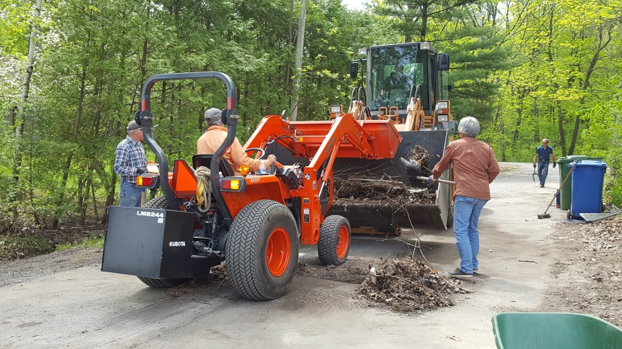 citizens clean up post-flood debris